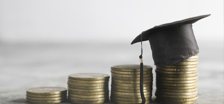 The cost of university: Parents expecting to pay £17,000